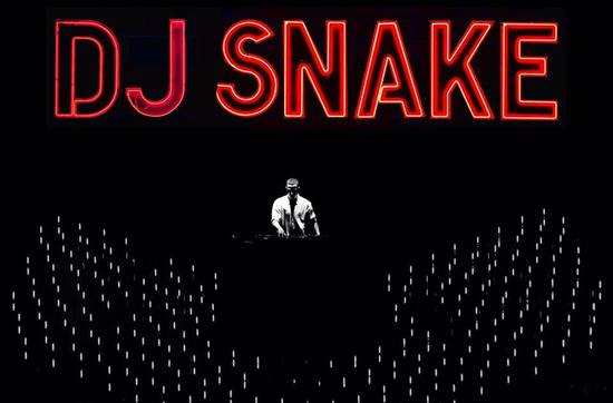 dj-snake-black-white-red