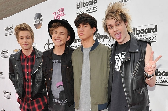 billboard5secondsofsummer