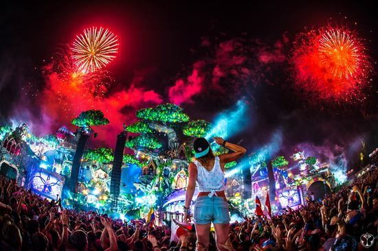 tomorrowland2016_1