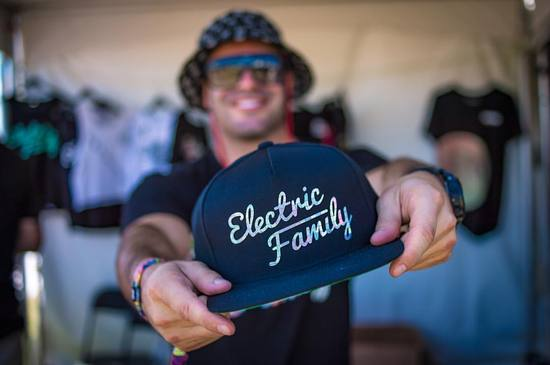 electricfamily_cap